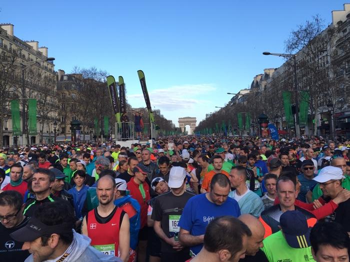 startvak marathon parijs arce de triomphe