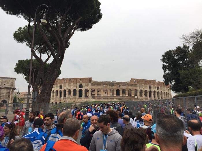 startgebied marathon Rome bij colosseum